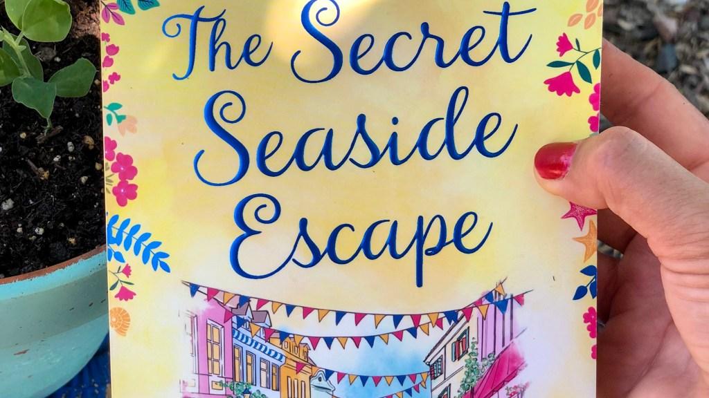 The Secret Seaside Escape by Heidi Swain | Erica Robbin