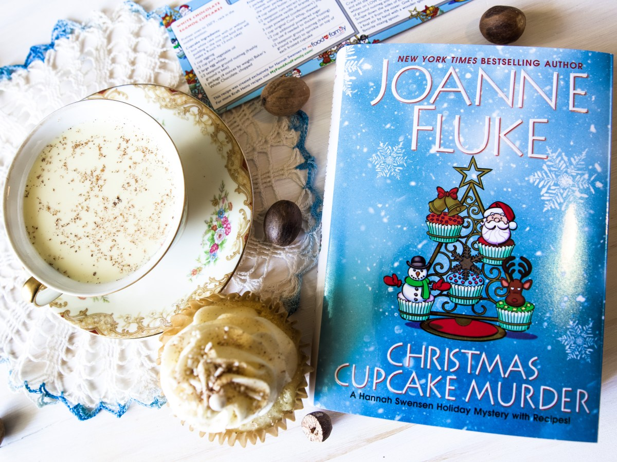 Christmas Cupcake Murder by Joanne-Fluke