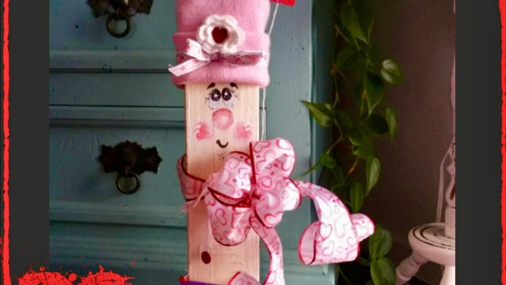 Adorable Wooden Valentine's Day Craft Decor