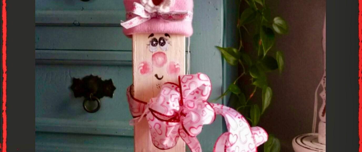 Adorable Wooden Valentine's Day Craft Decor | Erica Robbin