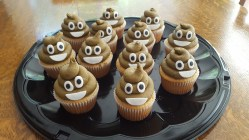 Poop Emogi Cupcakes