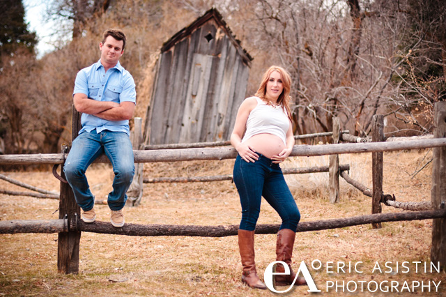 Kristen & Josh. Maternity session in Levi's
