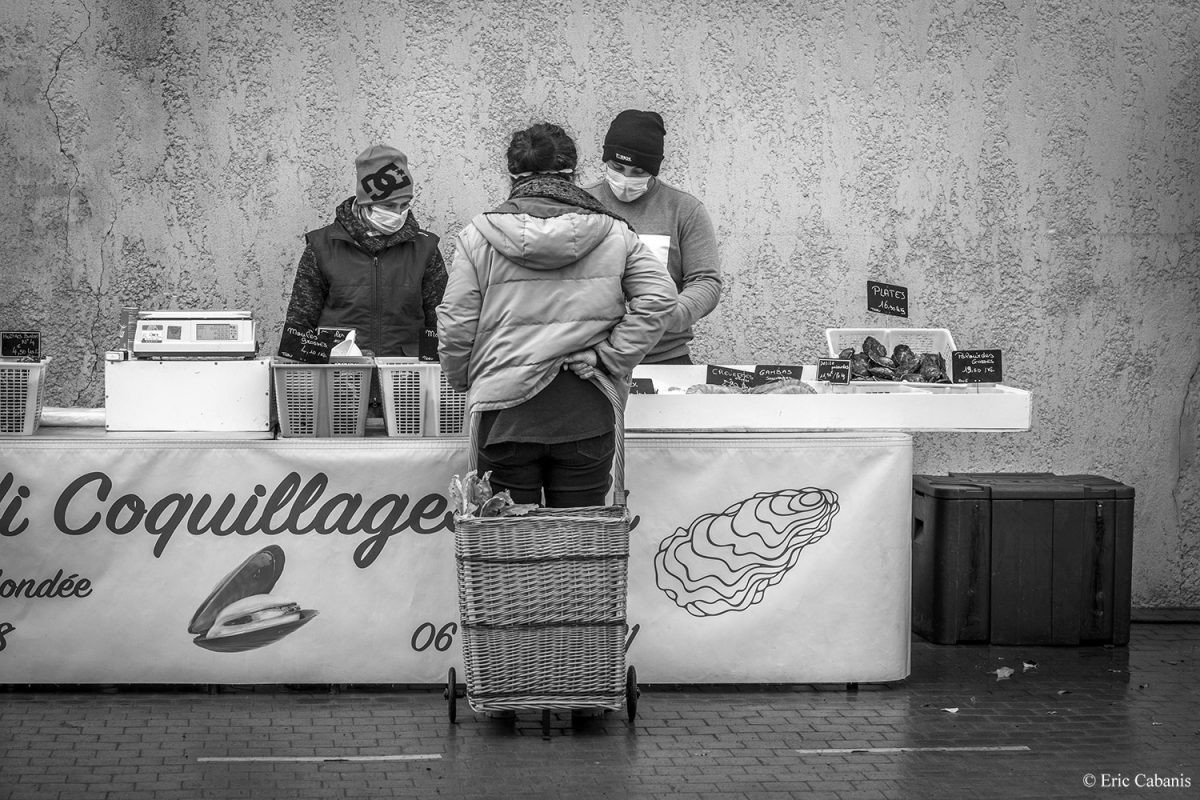 Open-air market in Saint-Nazaire d'Aude on January 15, 2021 Eric Cabanis Photographer