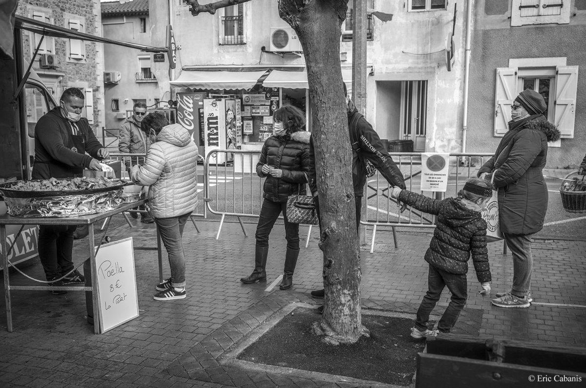 Open-air market in Saint-Nazaire d'Aude, January 17, 2021 Eric Cabanis Photographer