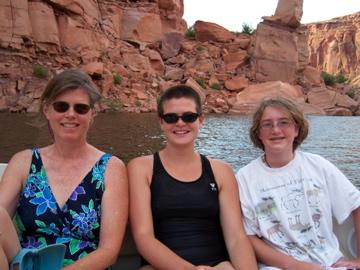Mom, C-lyn,Anneliese
