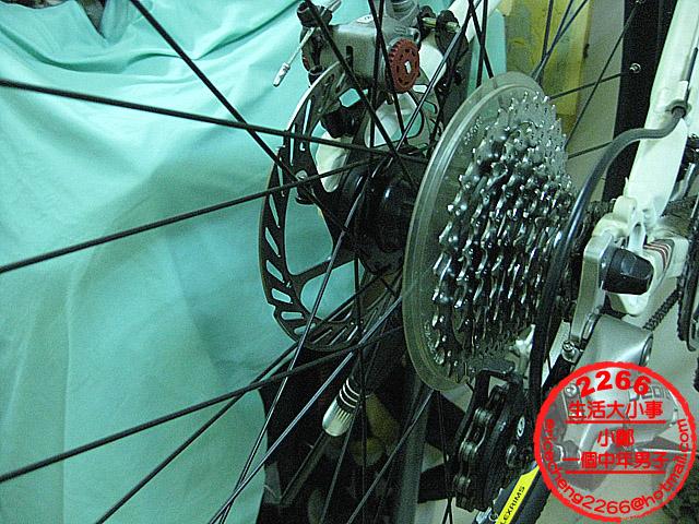 軸傳動 + 內變速 自行車 輪胎更換 DIY (Shaft Drive Bicycle)   一個中年男子小鄭 Eric 2266 的生活 543 事