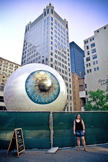 """""""Eye Spy"""" - Chicago, 2010. Spotted when walking around the streets of Chicago."""