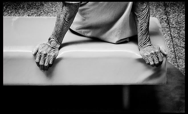 11 Touching Street Photographs of Hands