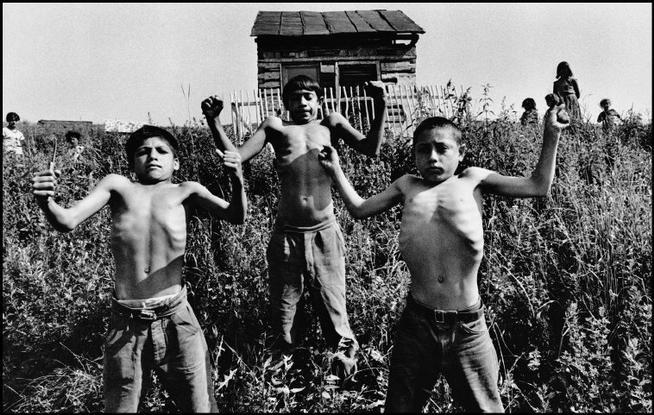 CZECHOSLOVAKIA. 1967. Slovakia. Zehra. Gipsies. © Josef Koudelka / Magnum Photos