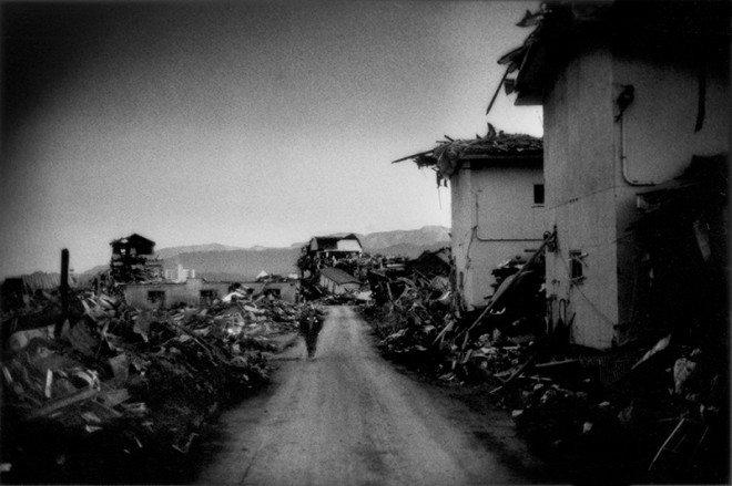 Delano_FotoEvidence_Black_Tsunami_021