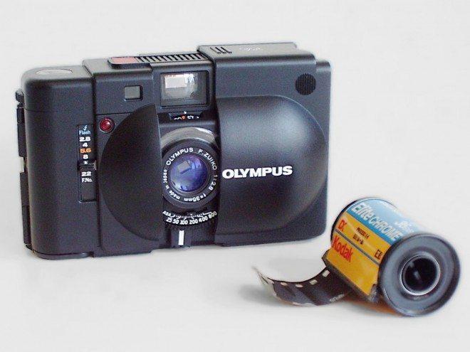 Olympus_XA_camera_and_film