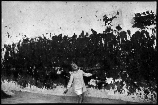 Henri Cartier-Bresson / SPAIN. Valencia. 1933.