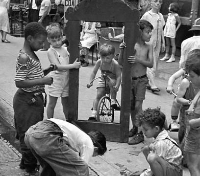 7 Lessons Helen Levitt Has Taught Me About Street Photography