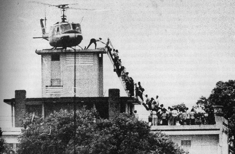 Evacuation of CIA station personnel by Air America on the rooftop of 22 Gia Long Street in Saigon on April 29, 1975.