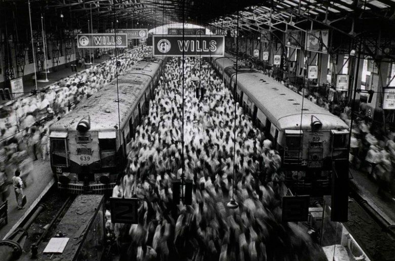 sebasti_o_salgado_church_gate_station_1995