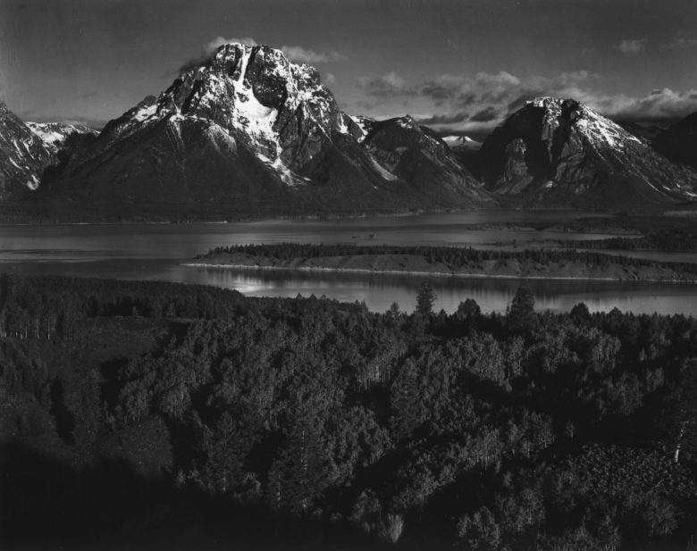 ansel-adams-black-and-white-landscape-photography