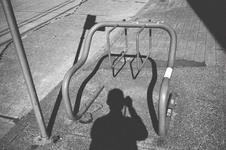 eric-kim-street-photography-europe-2015-trix1600-leica-35mm-black-and-white-1152