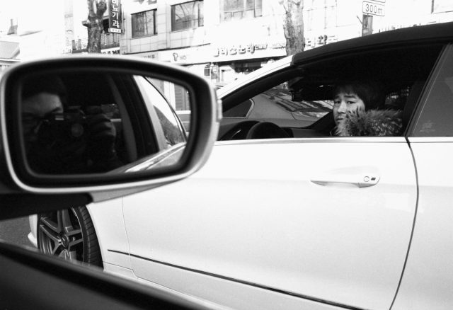 korea-the-presentation-of-self-car-shot-film-leica-m6