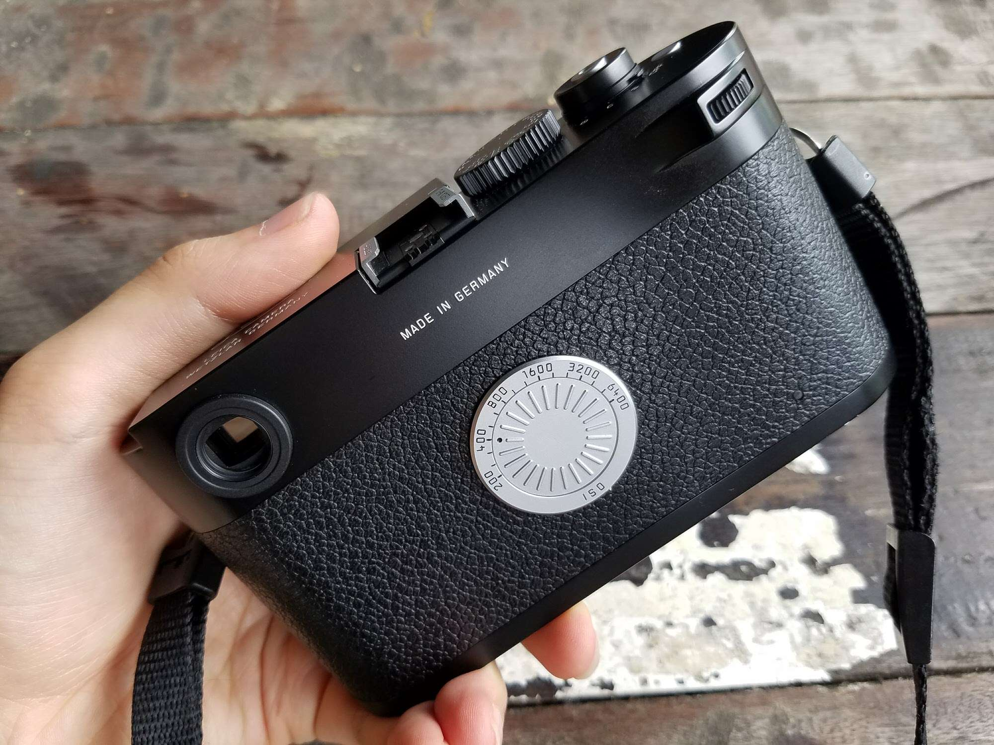 Back of the Leica M-D