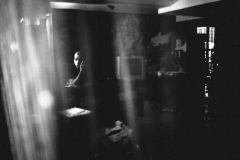 saigon-fujifilmx100s-2015-eric-kim-street-photograpy-black-and-white-monochrome-9
