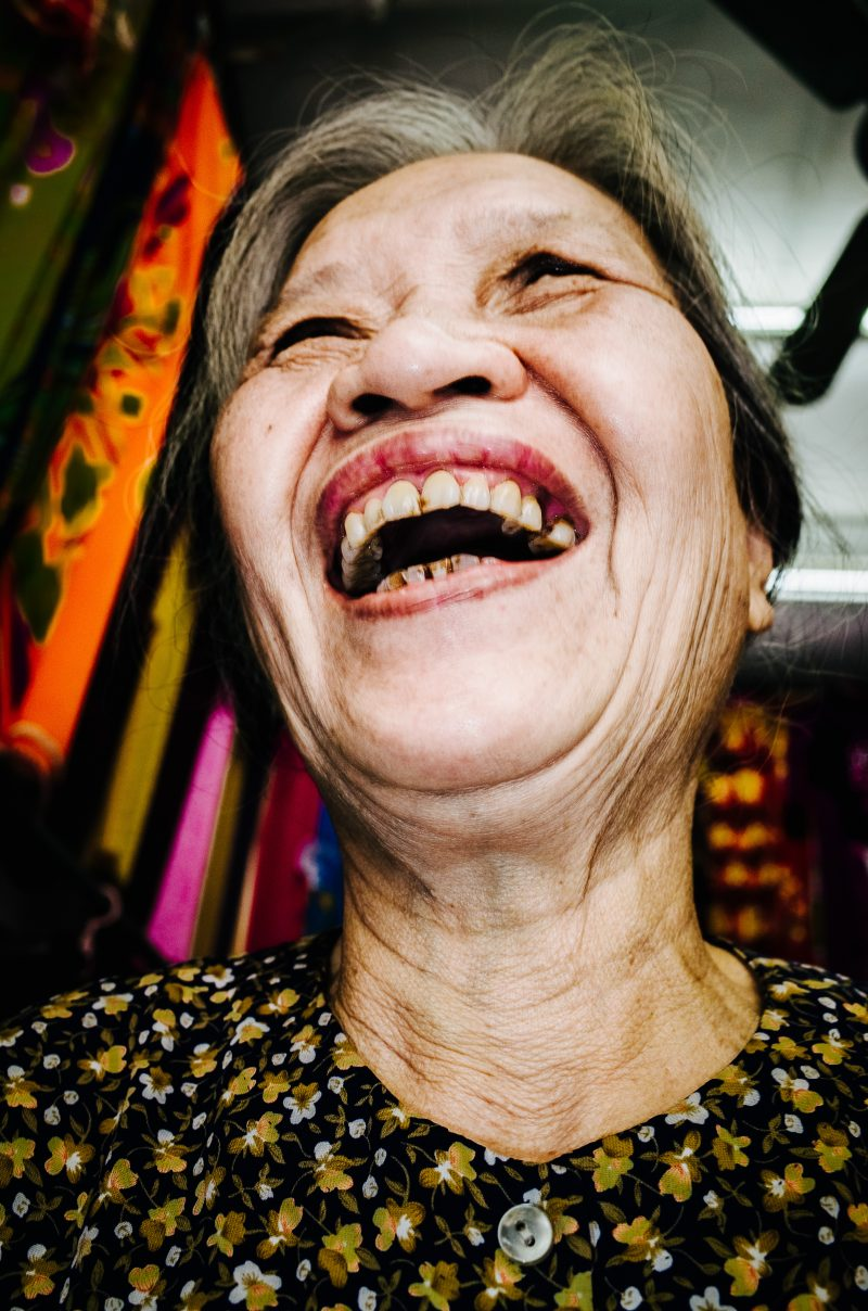 eric kim photography hanoi laughing lady