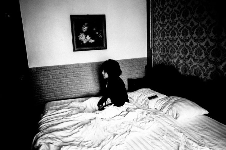Cindy Project Monochrome black and white bed hanoi