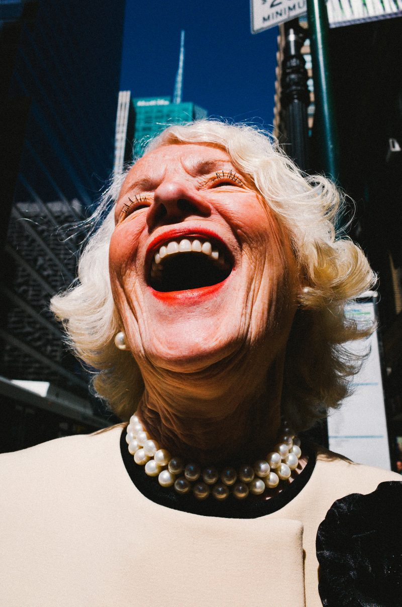 1 eric kim street photography - street portraits-1-laughing-lady-nyc