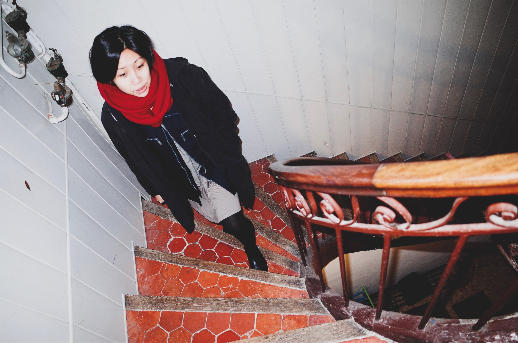 Marseille Cindy on stairs