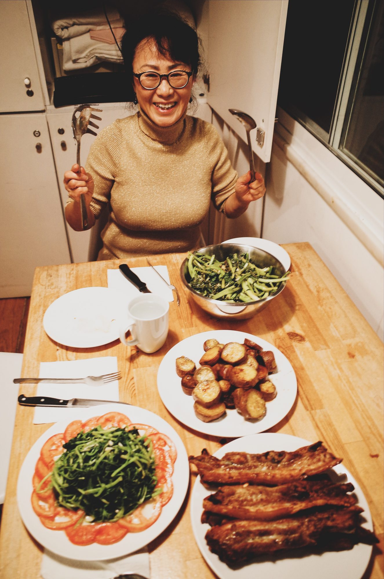 My mom and food. Lisbon, 2018