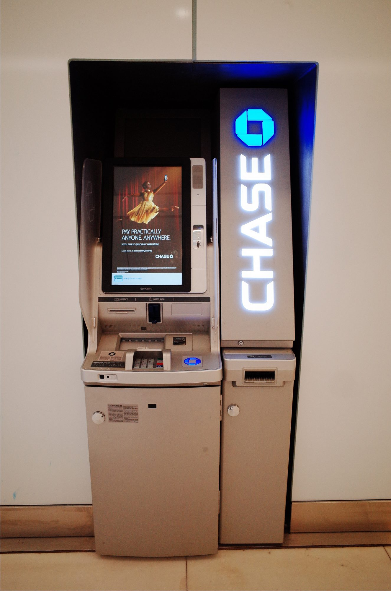 Chase bank atm money