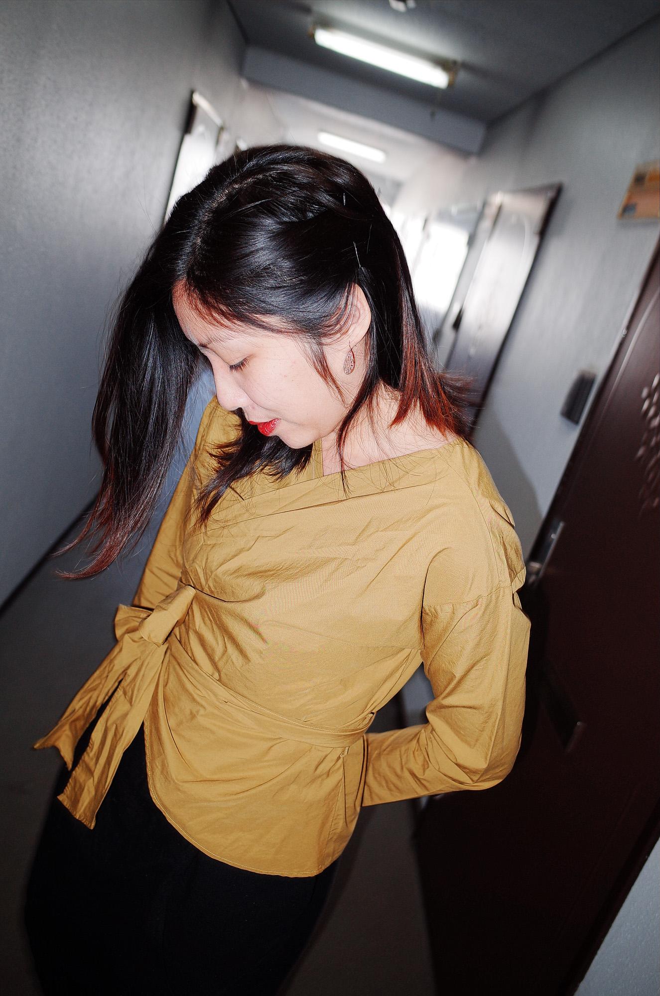Osaka Cindy yellow outfit