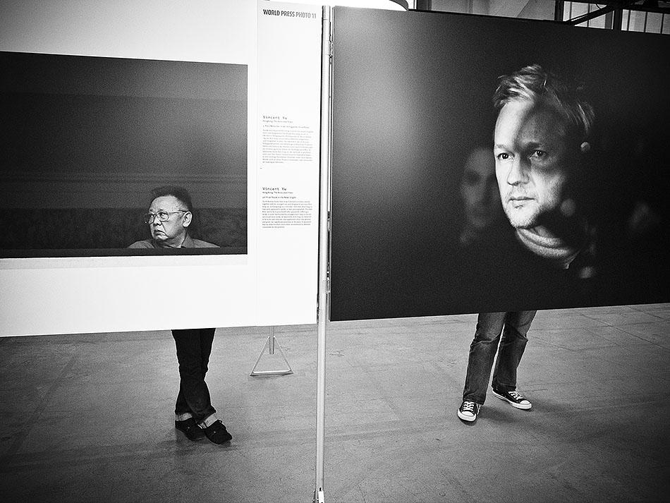 Surreal juxtaposition. Zurich, 2011 (Ricoh GRD III).