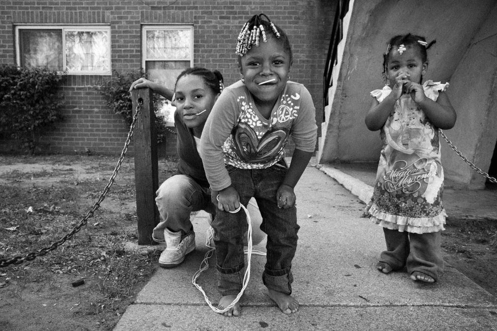 Three kids Chicago eric kim black and white street photography