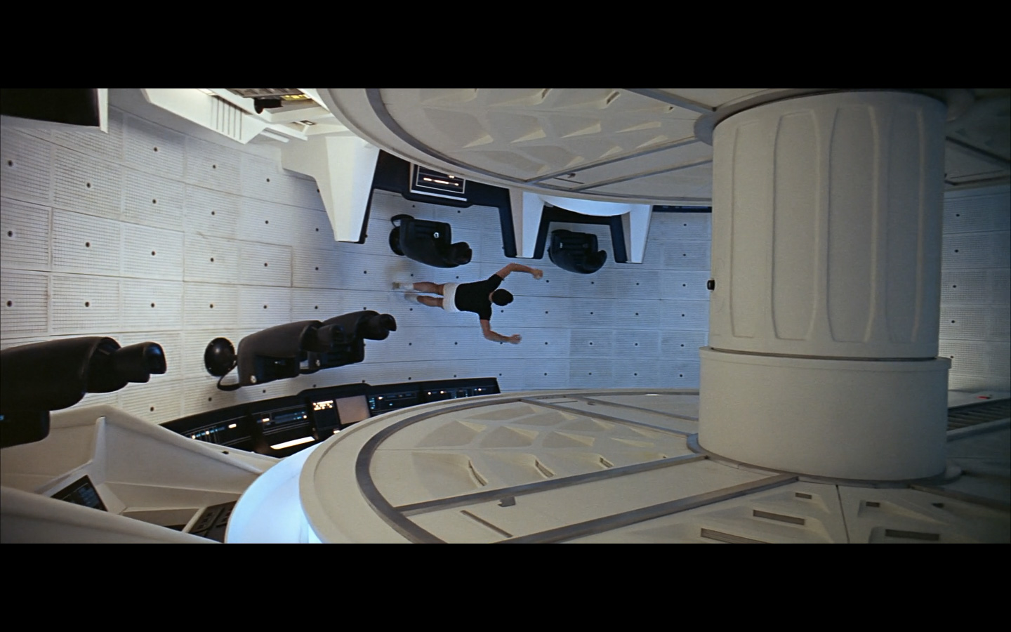 2001 Space Odyssey Cinematography-277