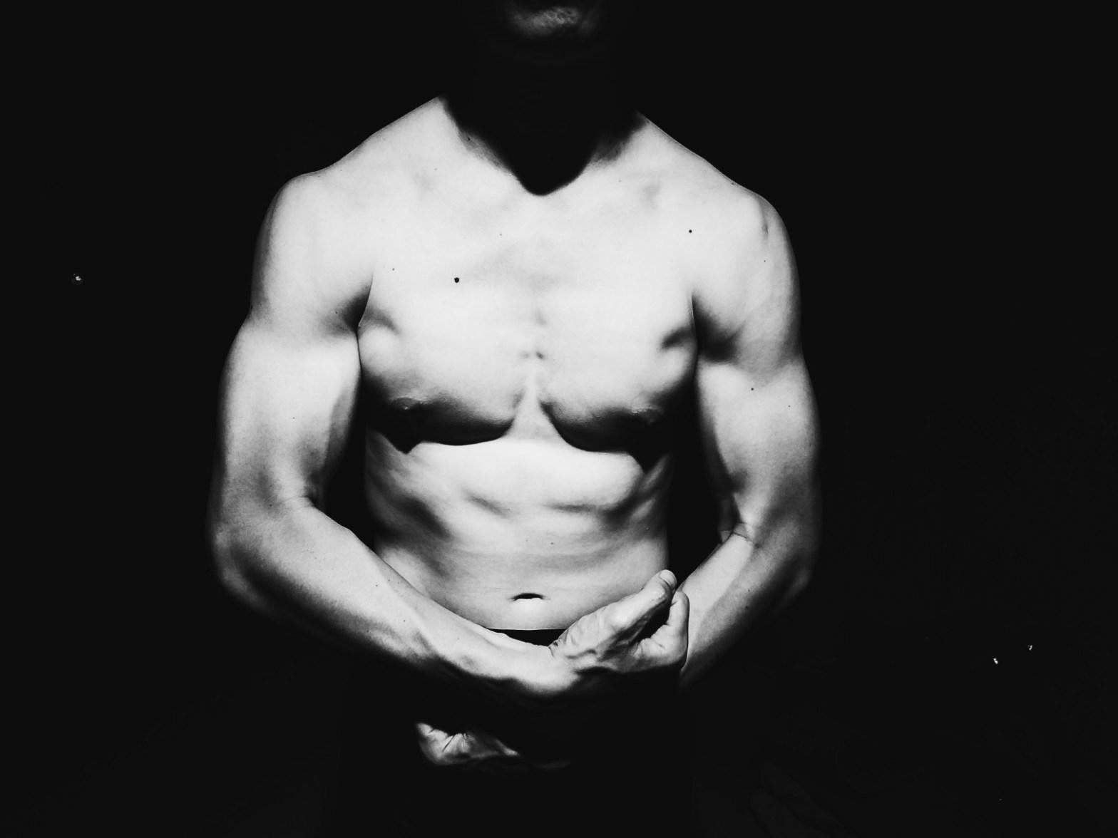 Eric kim muscle flex Saigon