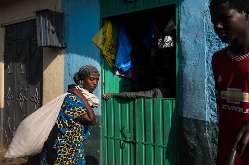 Ethiopia by Yves Vernin street photography color 5