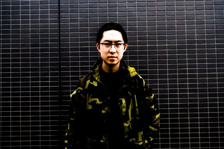 camo-camoflague-black-wall-eric-kim-street-photography-tokyo-2018-1056992