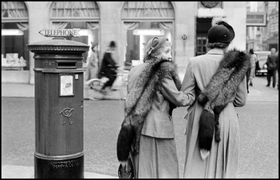 ENGLAND. London. 1953. New Bond Street. Two women dressed almost identically according to the rules of one particular and popular English school of fashion.