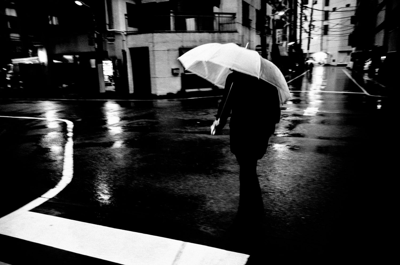 Tokyo silhouette black umbrella