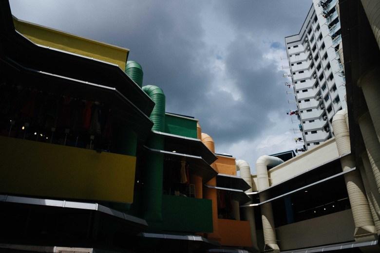eric kim - singapore street photography - color - 28mm - leica m10-1
