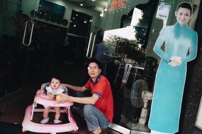 eric kim street photography vietnam - saigon - street photography - lumix-1129328