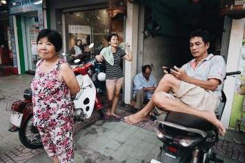 eric kim street photography vietnam - saigon - street photography - lumix-1129333