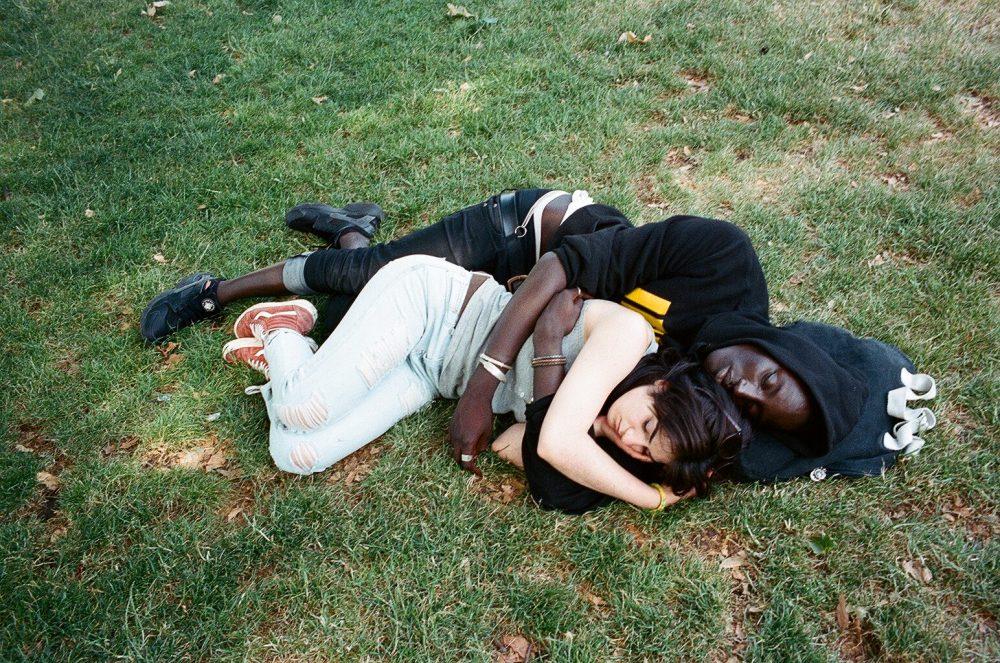 Couple sleeping Paris