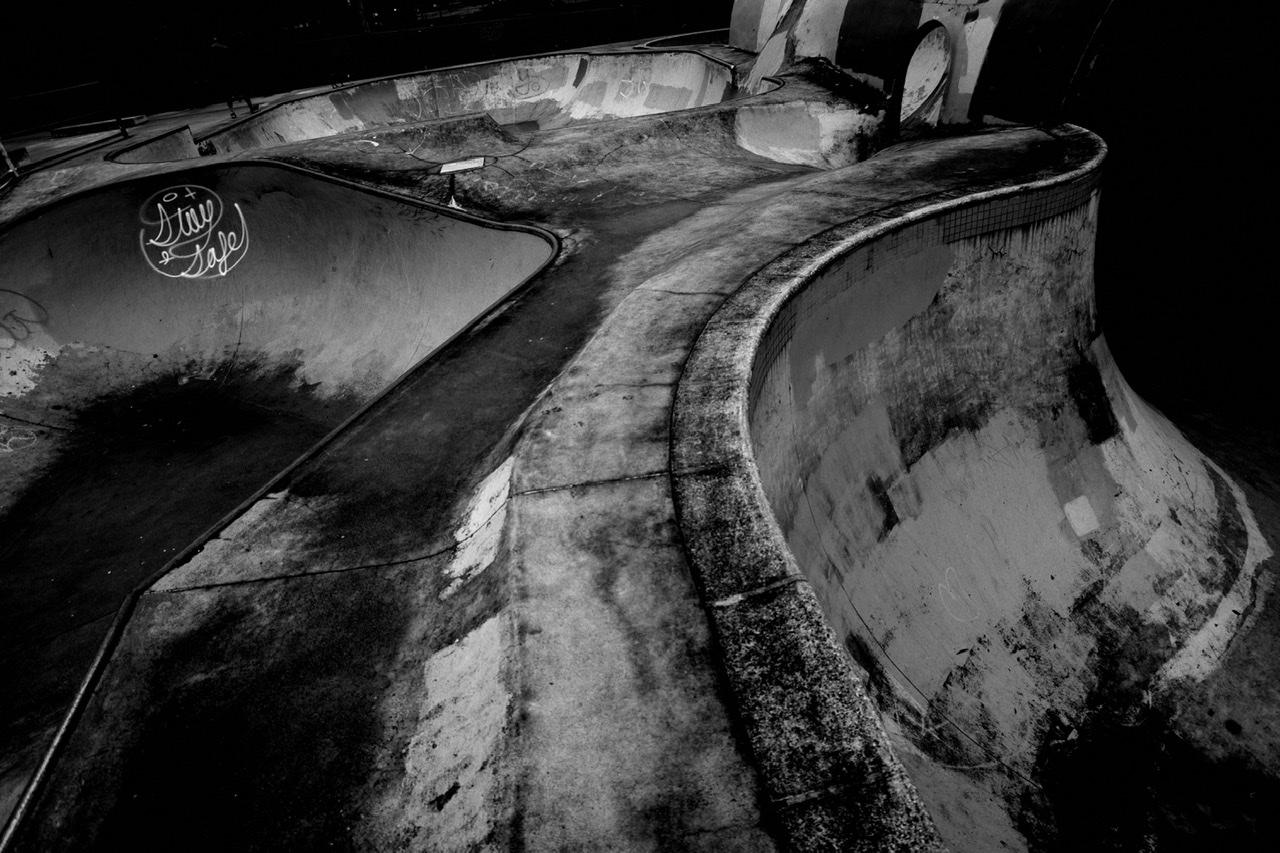 Curve skate park