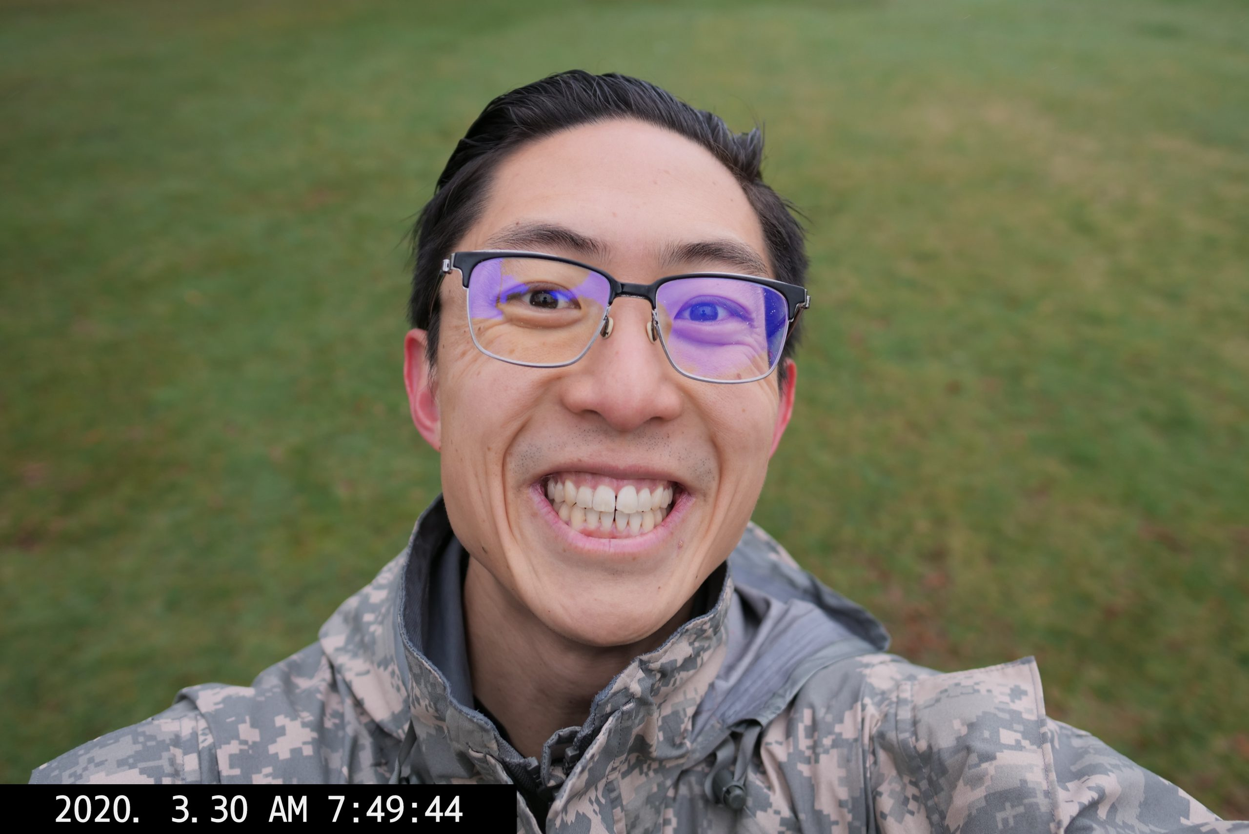 P1450887 PICK SMILE SELFIE