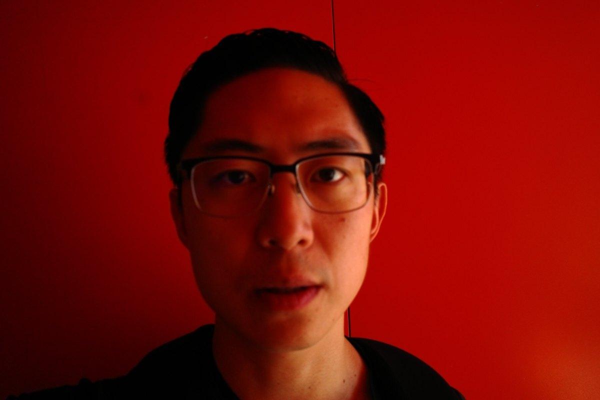 selfie red