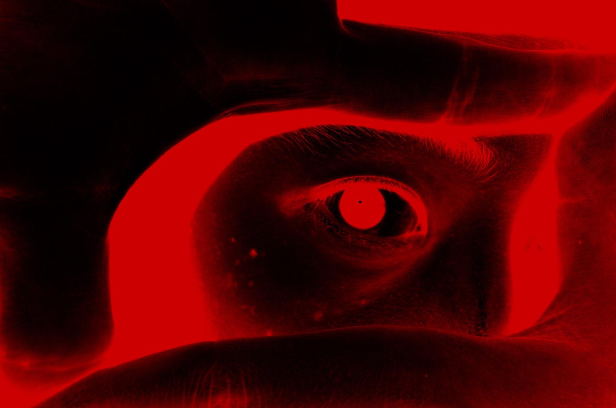 Red eye eric selfie
