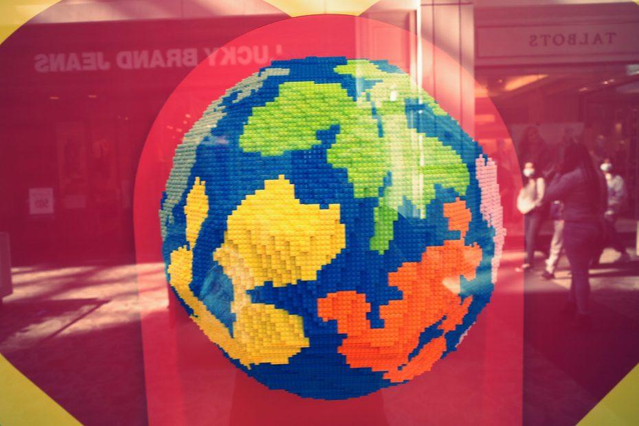 lego globe