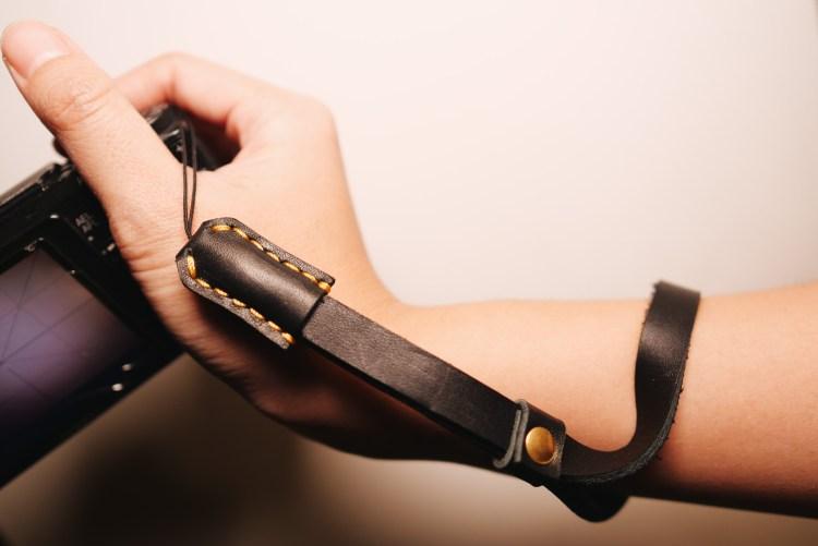 ERIC KIM wrist strap mark ii