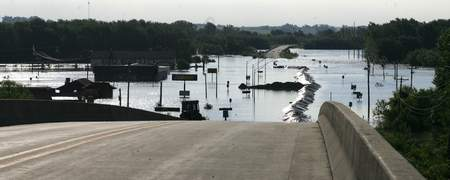 Columbus Junction Iowa flooding photo
